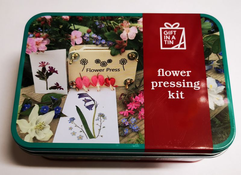 Flower Pressing Kit in a handy tin
